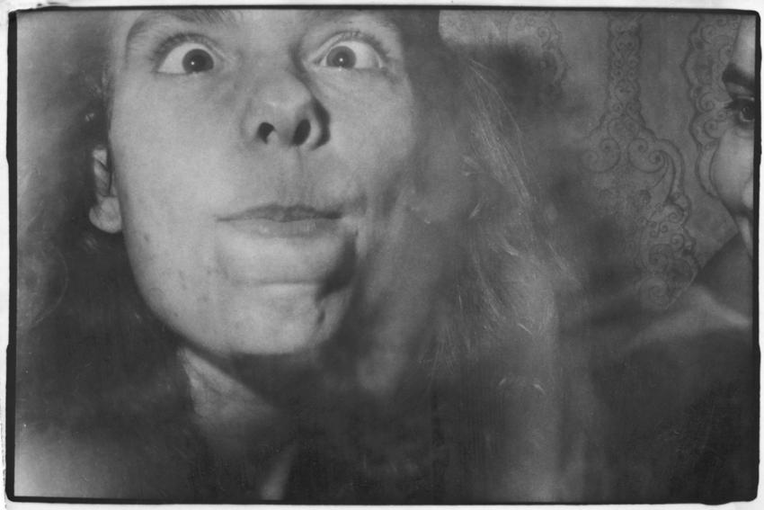 """Роман Пятковка, """"Сука-любов"""", 1985, срібно-желатиновий друк."""