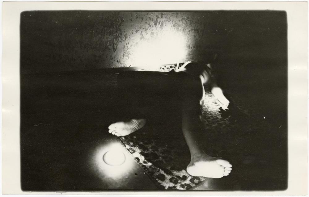 """Роман Пятковка, з серії """"Свіча"""", 1985, срібно-желатиновий друк"""